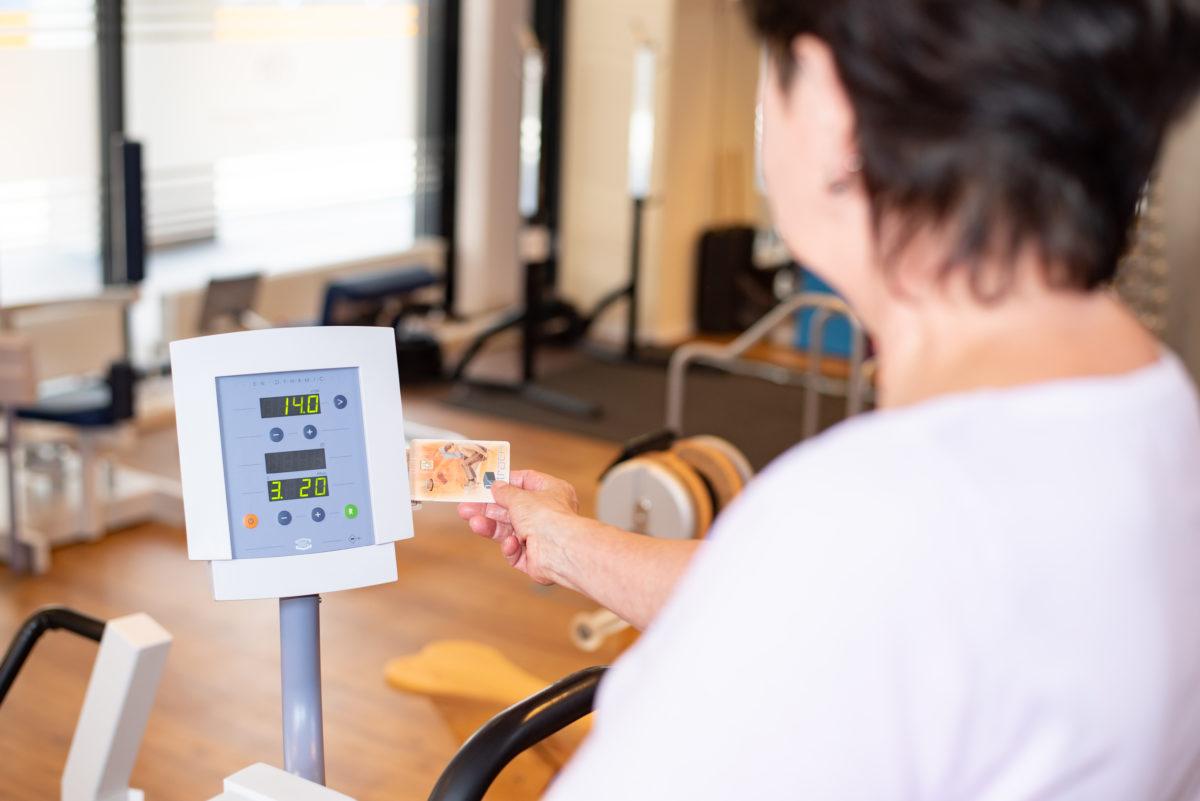 Training an den Geräten mittels Chipkarte
